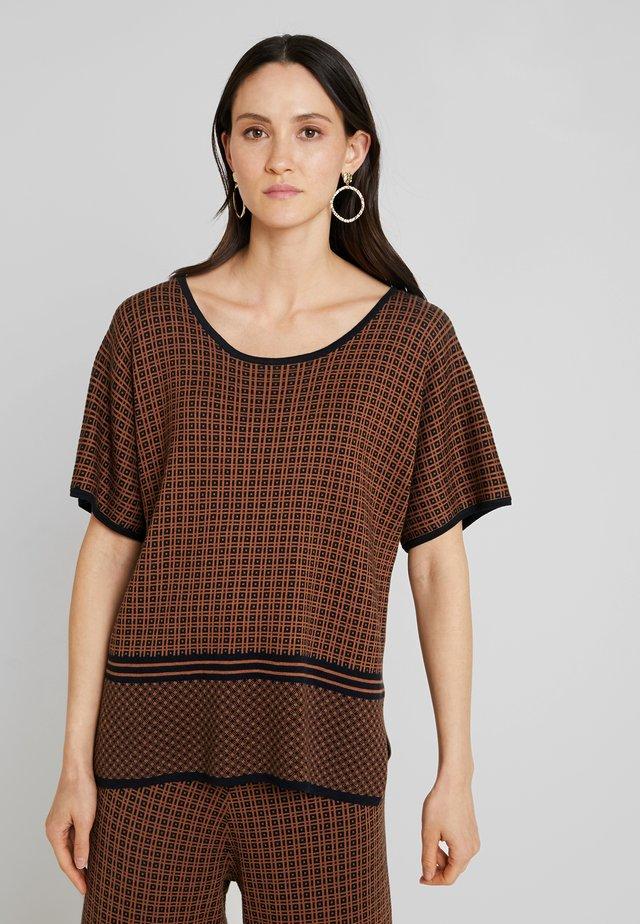 SIONA - T-Shirt print - bronzed