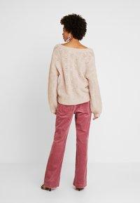 Cream - Trui - desert pink melange - 2