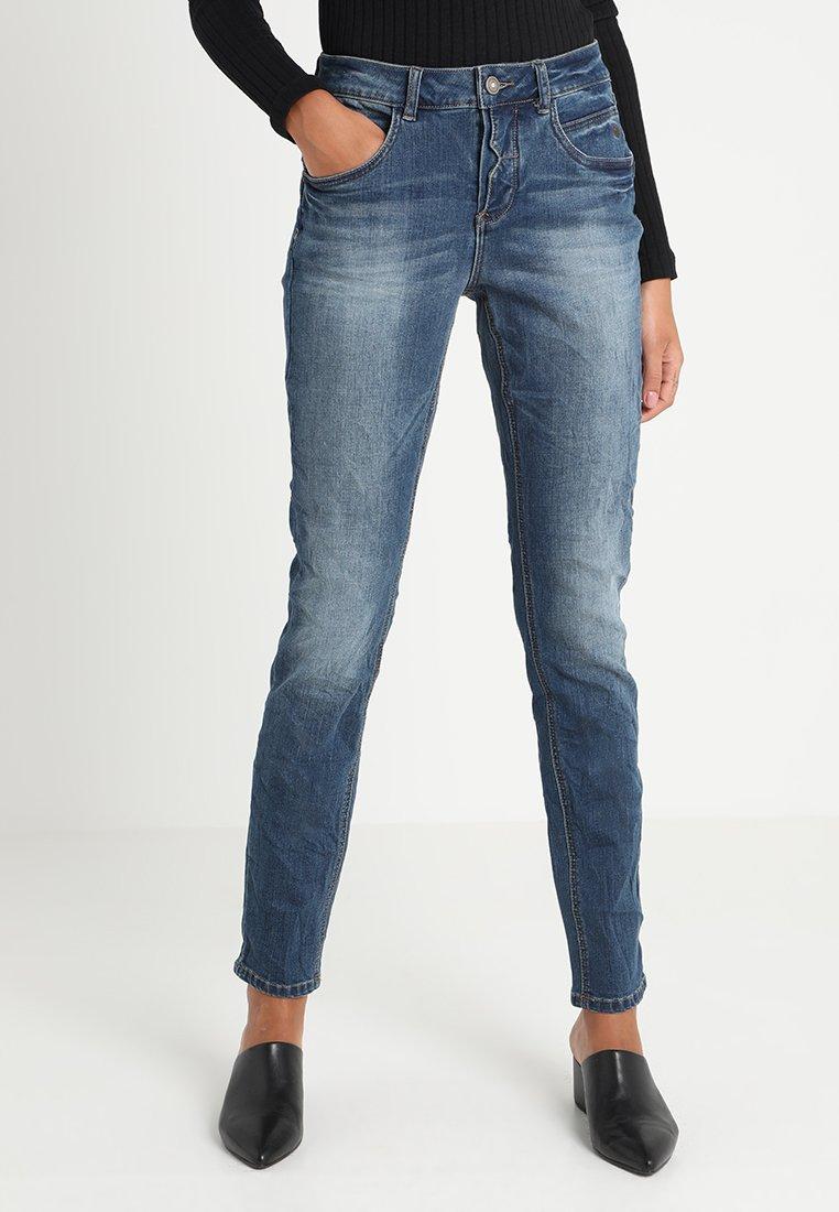 Cream - LAURENY SHAPE FIT - Jeans Slim Fit - rich blue denim