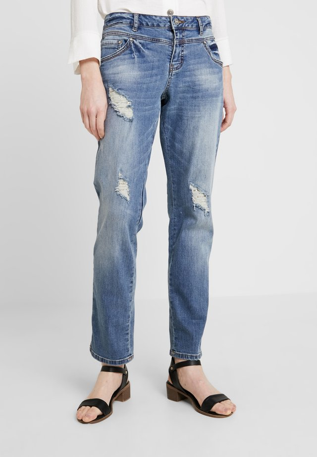 CLARA - Jeans Relaxed Fit - vintage blue