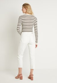 Cream - ROBINA BAIILY FIT - Jeans Relaxed Fit - chalk - 2