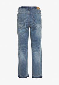 Cream - SAVANNA BAIILY - Jeans baggy - denim blue - 1
