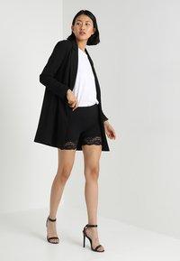 Cream - MATILDA BIKER - Shorts - pitch black - 1