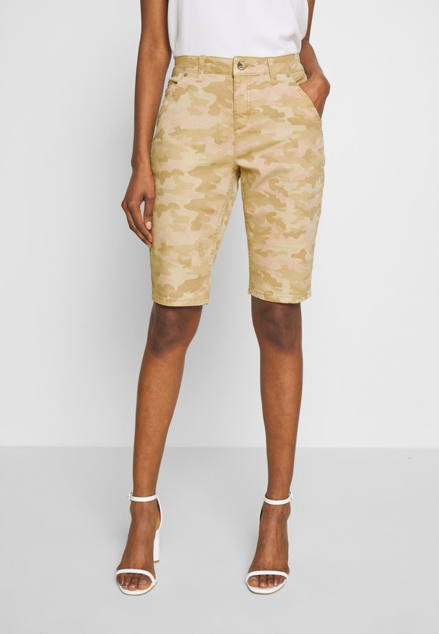 PENORA BAIILY FIT - Shorts - chai beige