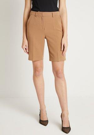 KAYA - Shorts - luxury camel
