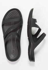 Crocs - SWIFTWATER - Sandały kąpielowe - black - 3