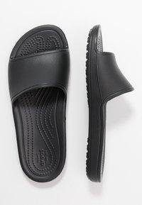 Crocs - SLOANE  - Kapcie - black - 3
