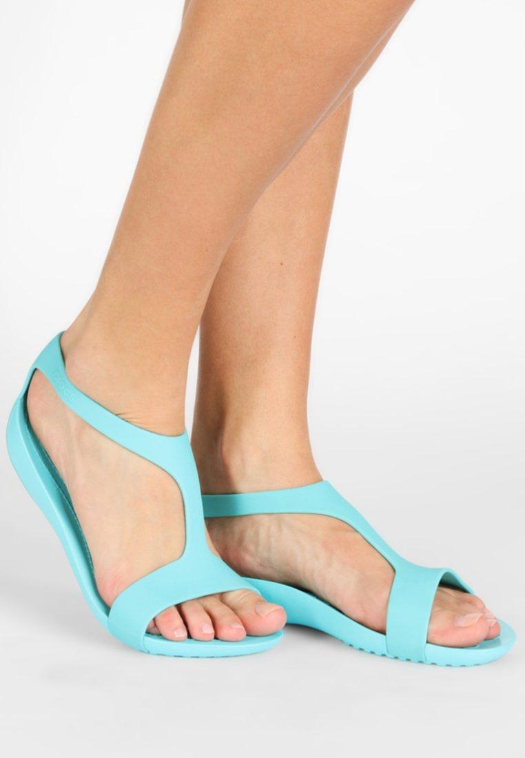 Crocs - SERENA  - Badesandale - pool blue