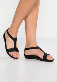 Crocs - SERENA  - Sandały kąpielowe - black - 0