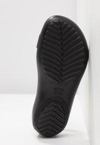 Crocs - SERENA  - Sandały kąpielowe - black - 6