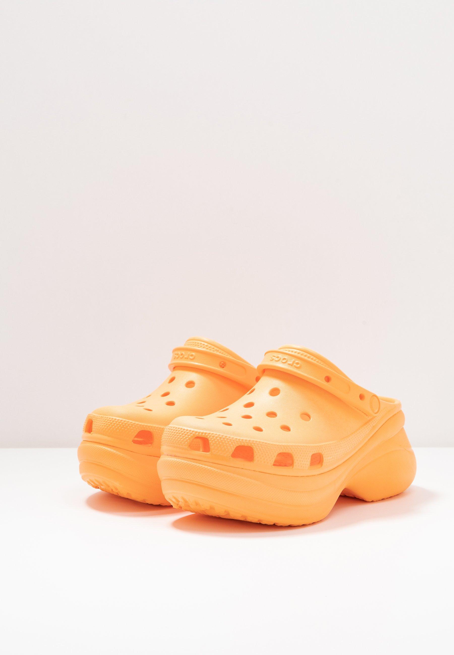 Crocs Classic Bae - Sandaler Cantaloupe