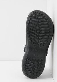 Crocs - CLASSIC BAE  - Klapki - black - 6
