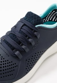 Crocs - LITE RIDE PACER  - Trainers - navy/ice blue - 2