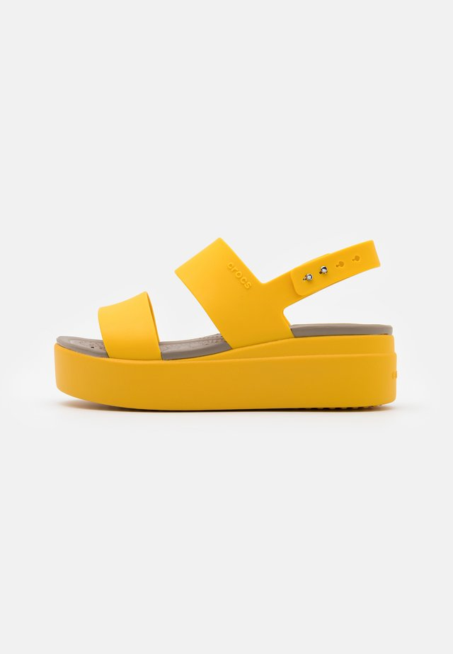 BROOKLYN LOW WEDGE - Plateausandalette - canary