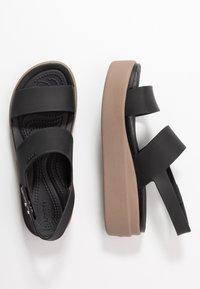 Crocs - BROOKLYN LOW - Chaussons - black/mushroom - 3