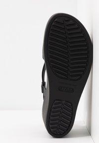 Crocs - BROOKLYN HIGH - Pantuflas - black - 6