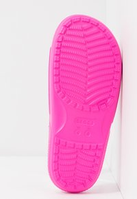 Crocs - CLASSIC SLIDE - Pantoffels - pink - 6