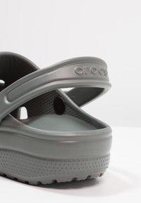 Crocs - CLASSIC - Zuecos - slate grey - 5