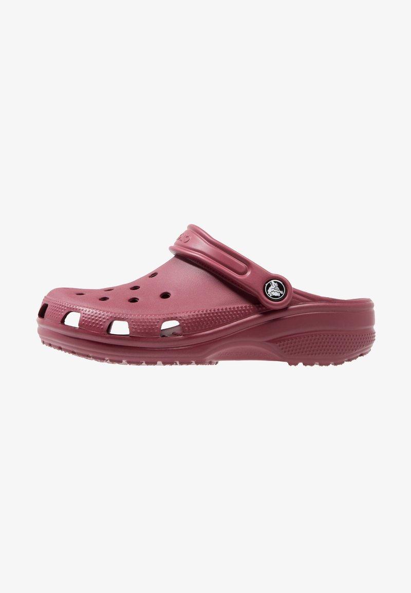 Crocs - CLASSIC - Zuecos - garnet