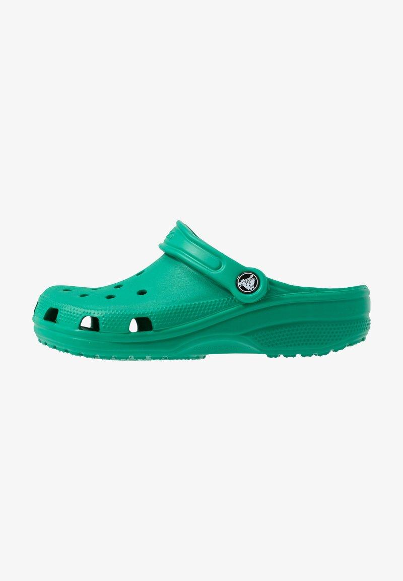Crocs - CLASSIC - Sandały kąpielowe - deep green