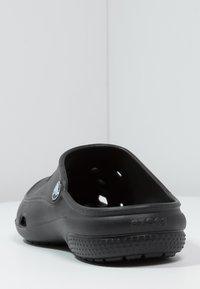 Crocs - FREESAIL - Pantoffels - black - 3