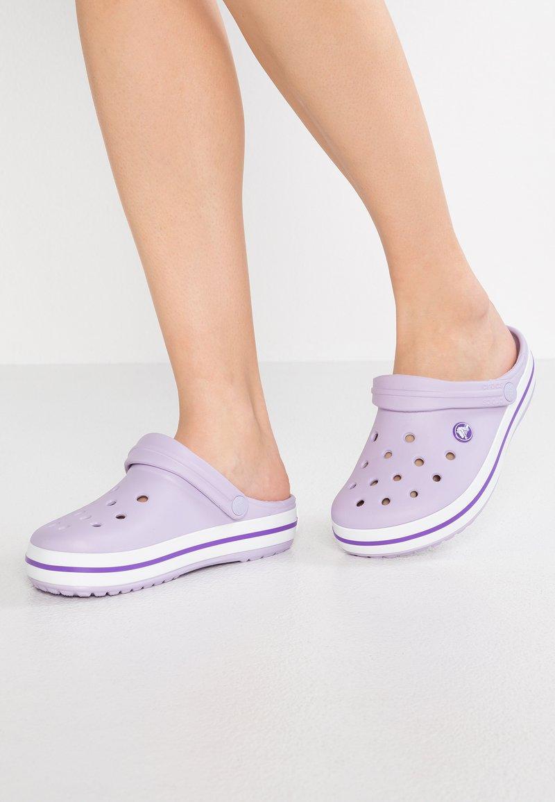Crocs - CROCBAND - Pantofle - lavender/purple