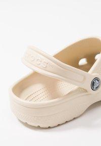 Crocs - CLASSIC - Muiltjes - winter white - 2