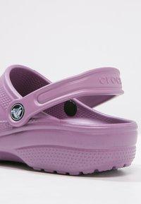 Crocs - CLASSIC - Muiltjes - lilac - 6