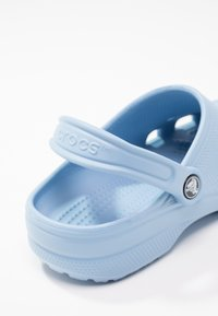 Crocs - CLASSIC - Sandaler - chambray blue - 6