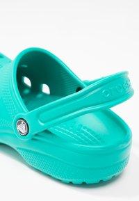 Crocs - CLASSIC - Ciabattine - tropical teal - 6