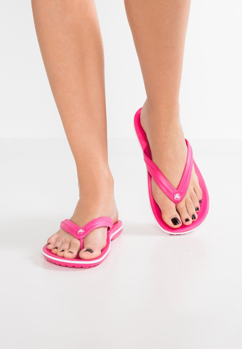Crocs - CROCBAND FLIP - Teenslippers - paradise pink/white