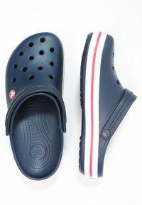 Crocs - CROCBAND - Drewniaki i Chodaki - blau - 1