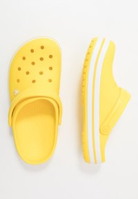 Crocs - CROCBAND - Tresko - lemon/white - 1