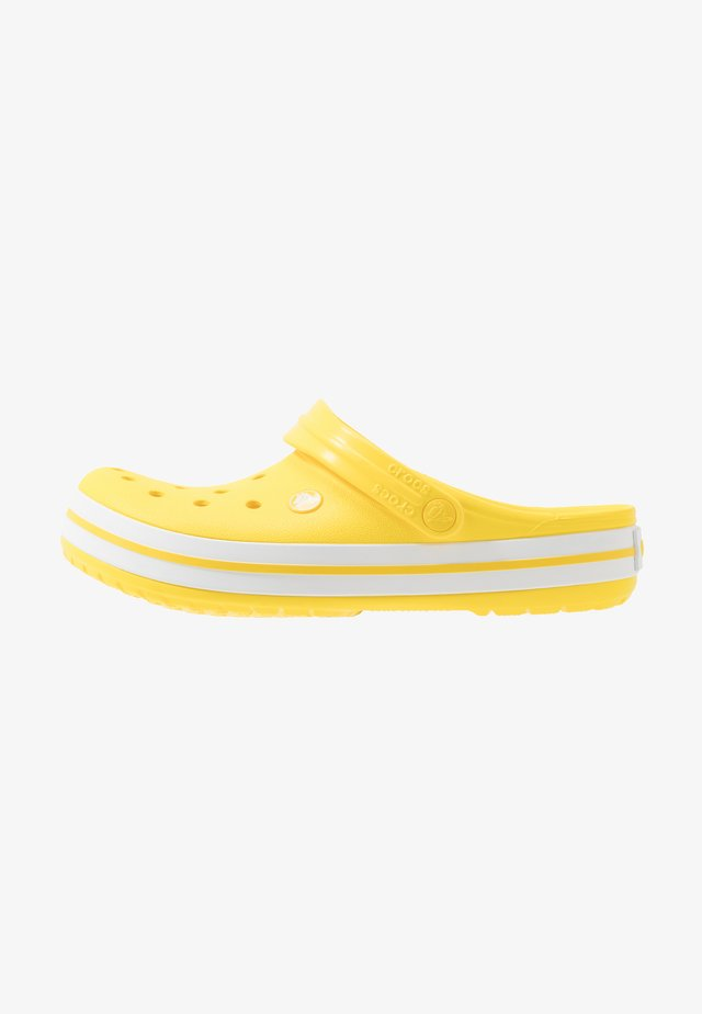 CROCBAND - Zuecos - lemon/white