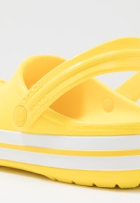 Crocs - CROCBAND - Tresko - lemon/white