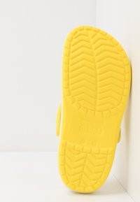 Crocs - CROCBAND - Tresko - lemon/white - 4