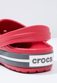 Crocs - CROCBAND - Zuecos - red - 5