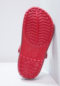 Crocs - CROCBAND - Zuecos - red - 4