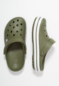 Crocs - CROCBAND - Zuecos - army green/white - 1