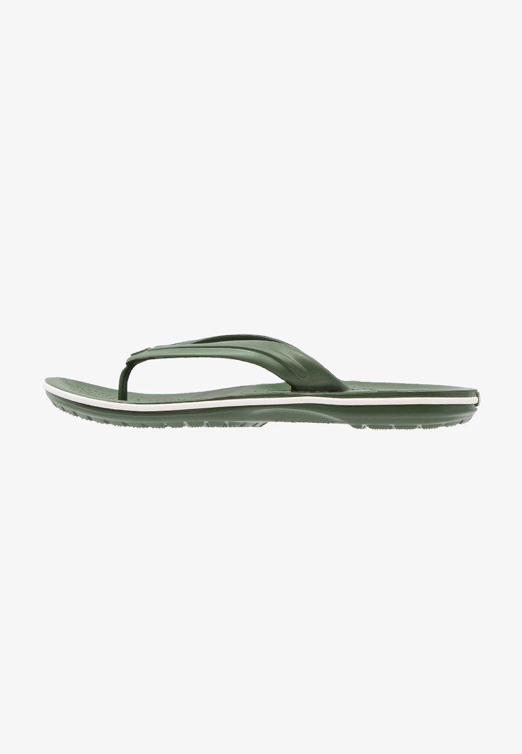 Crocs - CROCBAND FLIP - Chanclas de dedo - dunkelgrün