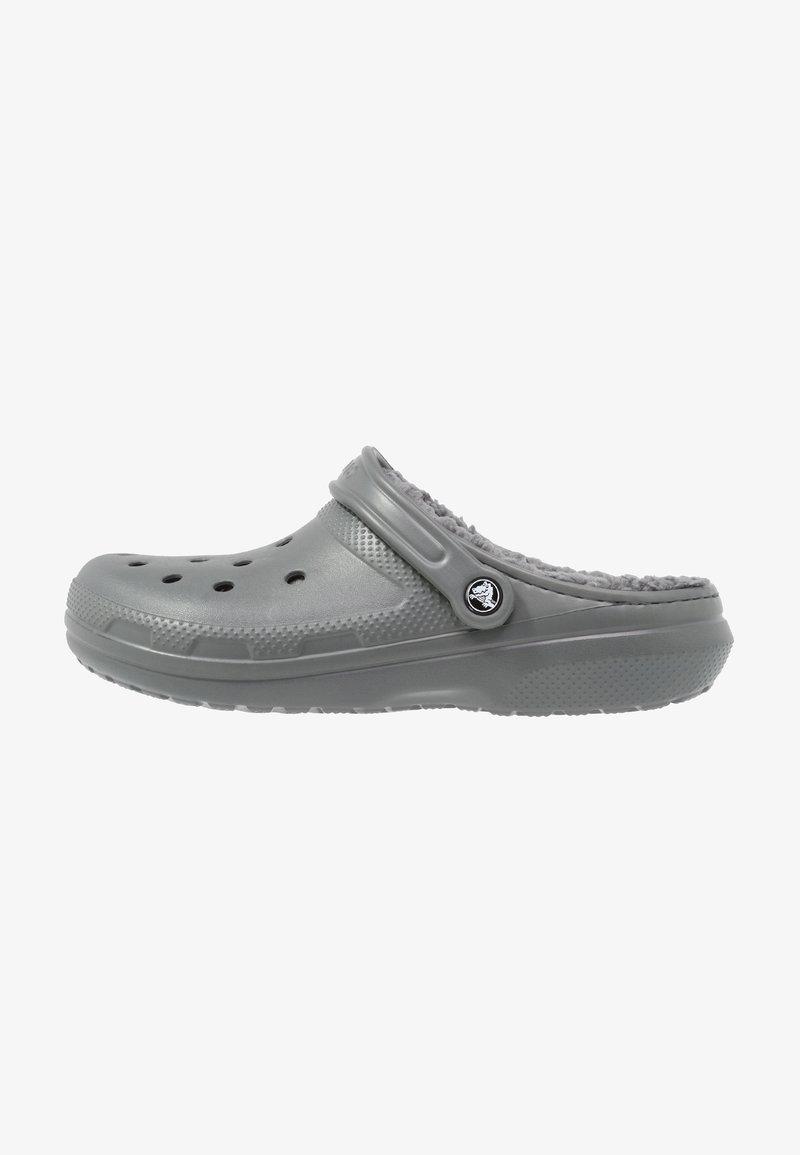 Crocs - CLASSIC LINED ROOMY FIT - Zuecos - slate grey/smoke