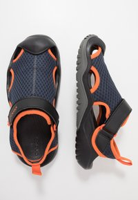 Crocs - SWIFTWATER DECK - Zuecos - navy/tangerine - 1