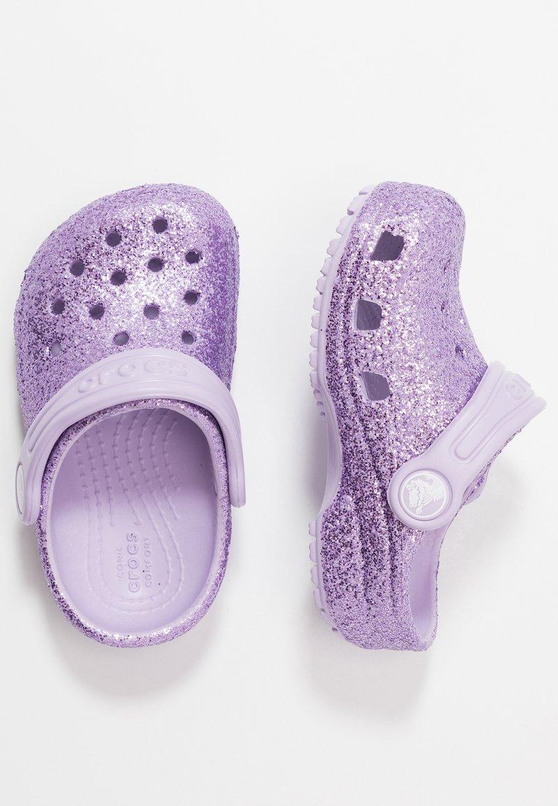 Crocs - CLASSIC GLITTER - Sandaler - lavender