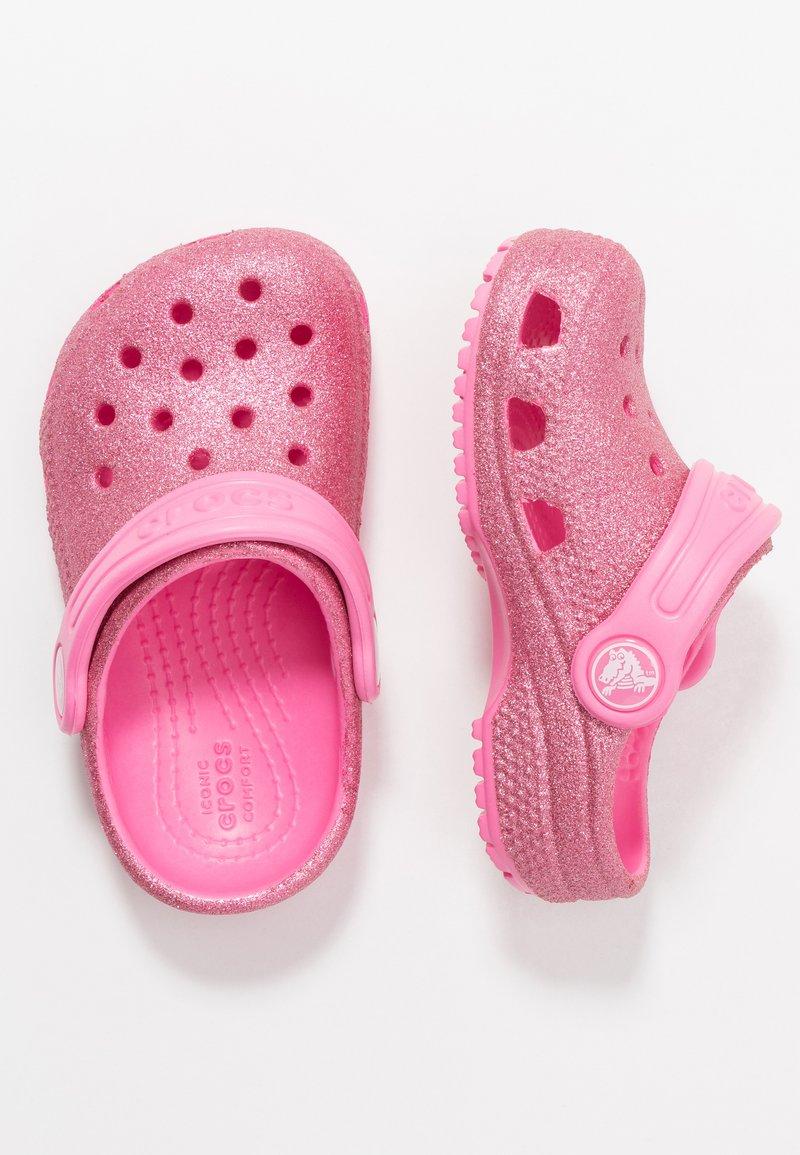 Crocs - CLASSIC GLITTER - Sandalias planas - pink lemonade