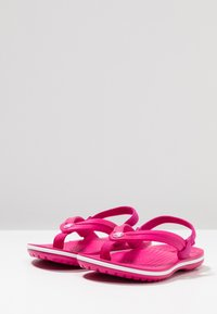 Crocs - CROCBAND STRAP FLIP RELAXED FIT - Pool shoes - candy pink - 3