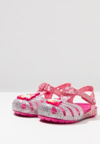 Crocs - ISABELLA CHARM RELAXED FIT  - Sandales de bain - pink ombre - 3