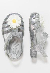 Crocs - ISABELLA CHARM RELAXED FIT  - Chanclas de baño - silver - 0