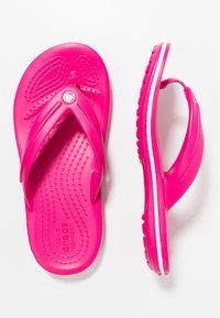 Crocs - CROCBAND RELAXED FIT - Teenslippers - candy pink - 0