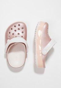 Crocs - CROCBAND ICE POP CLOG - Badesandaler - barely pink - 0