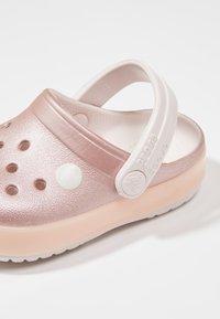 Crocs - CROCBAND ICE POP CLOG - Badesandaler - barely pink - 6